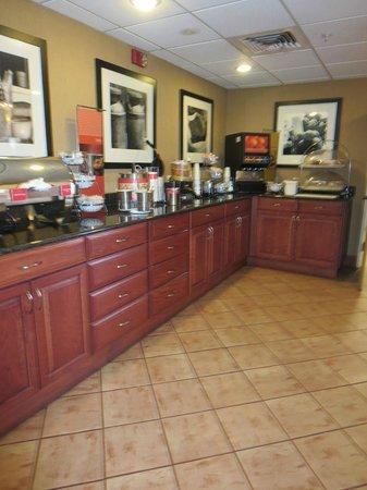Hampton Inn Sedona: Breakfast area