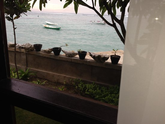 Yogi Beach Bungalows: looking out from the room