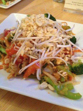 Ancient Cedars Cafe: Veggie Pad Thai