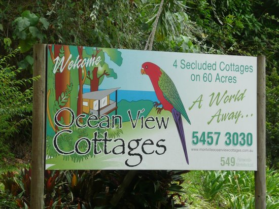 Montville Oceanview Cottages: Entrance sign