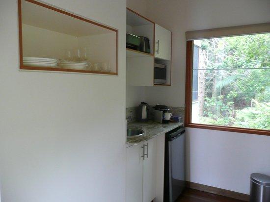 Montville Oceanview Cottages: Kitchen