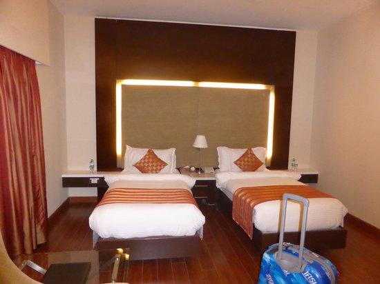 Ramada Chennai Egmore: BEDROOM