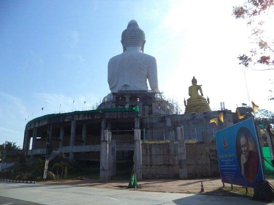 Großer Buddha von Phuket: статуя покрыта мрамором