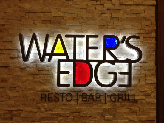 Water's Edge Resto Bar Grill: Great food!