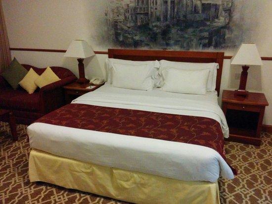 Savoy Crest Exclusive Hotel Apartments: Nice room