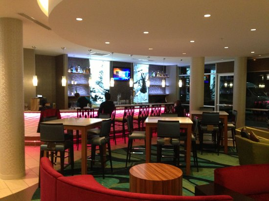 SpringHill Suites by Marriott Bellingham: A great bar for relaxing after a long day!!!
