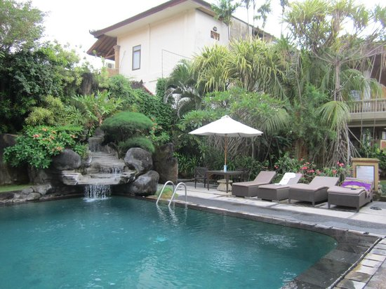 Adi Dharma Cottages: Pool area