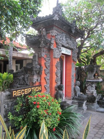 Adi Dharma Cottages: Reception gates