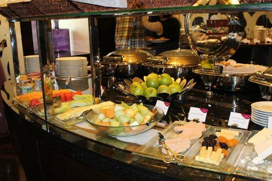 Crowne Plaza Dubai-Deira: buffet breaky