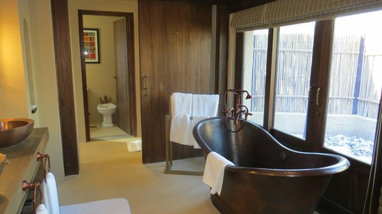 Anantara Sir Bani Yas Island Al Sahel Villa Resort : Lovely bathroom