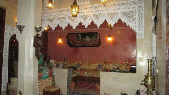 Riad Benchekroun: Detail in Breakfat Room