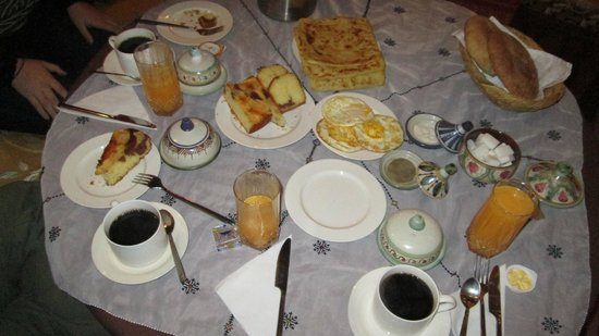 Riad Benchekroun: Breakfast Spread