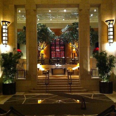 Four Seasons Hotel New York: Main Lobby