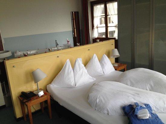 See- und Seminarhotel FloraAlpina: Zimmer mit riesigem Balkon und toller Aussicht