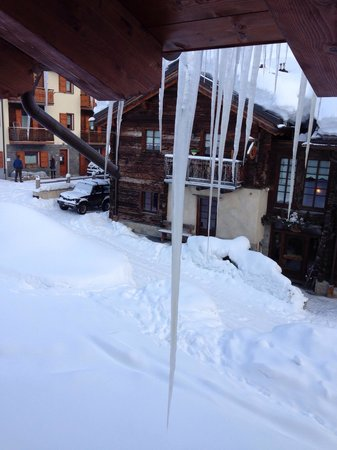 Hotel San Giovanni: Icicle so much snow in 2014