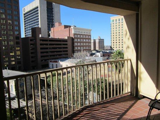 Drury Inn & Suites San Antonio Riverwalk: View from Room 537 terrace