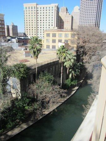 Drury Inn & Suites San Antonio Riverwalk: View from Room 537