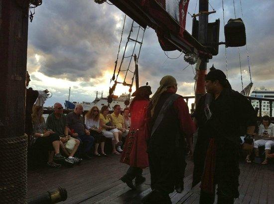 Jean Laffite Pirate Dinner Cruise: Pirates!
