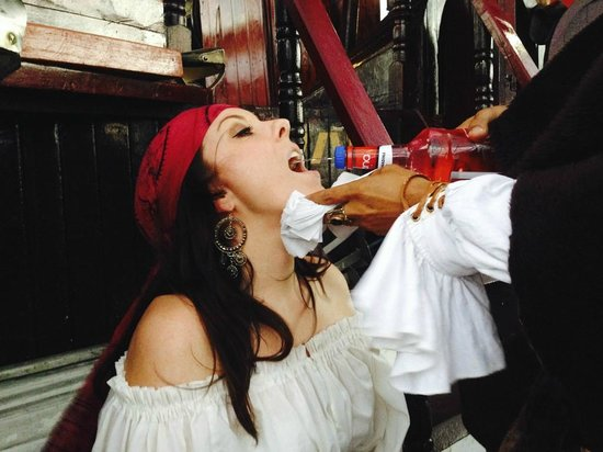 Jean Laffite Pirate Dinner Cruise: Tequila!
