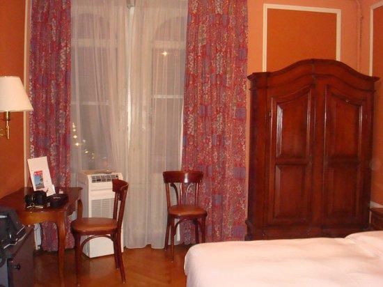 Hotel Longemalle: Просторный классический номер