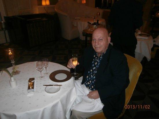 Gordon Ramsay au Trianon: Add champagne