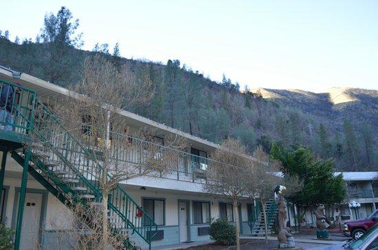 Yosemite Cedar Lodge: View