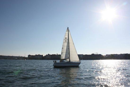 Lac Léman (Lac de Genève) : Под ним струя синей лазури, над ним луч солнца золотой...