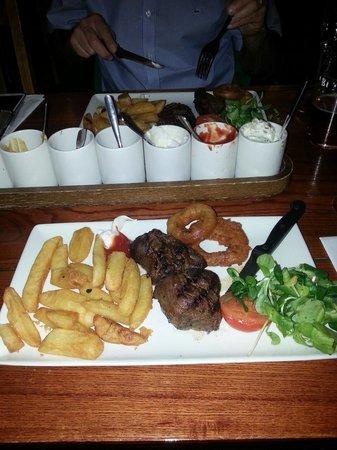 The Jack Rabbit Vintage Inn: New Yr Eve Dinner