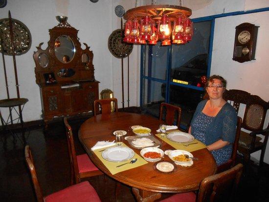 Madugalle Friendly Family Guest House: Dinnieren wie die Herrschaften