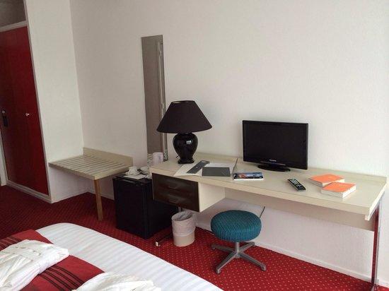 Gran Carlina : Le bureau et la télé