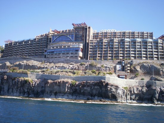Gloria Palace Amadores Thalasso & Hotel : Hotel from the ferry