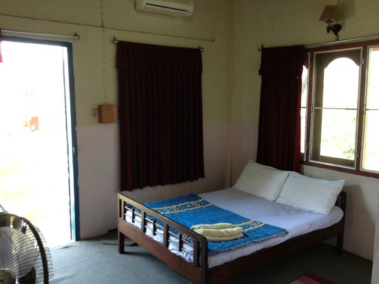 Souannavong Guesthouse: the room