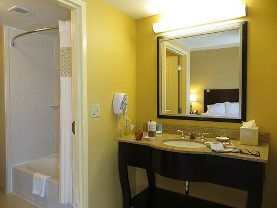 Hampton Inn & Suites Providence Downtown: Hampton Inn & Suites Room #1009