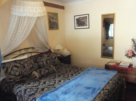 Carmelot Bed & Breakfast: King Arthur Room