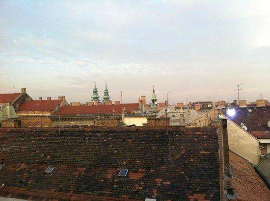 Bohem Art Hotel: Beautiful roof top views!