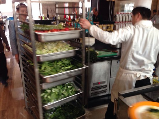 Four Points by Sheraton Tai'an: trolley with vegetables at breakfast. they moved the kitchen out.