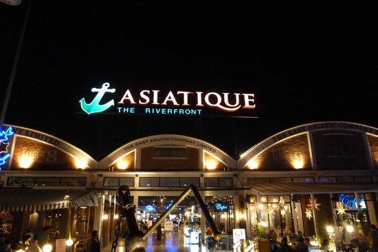 Anantara Riverside Bangkok Resort: Nachtmarkt
