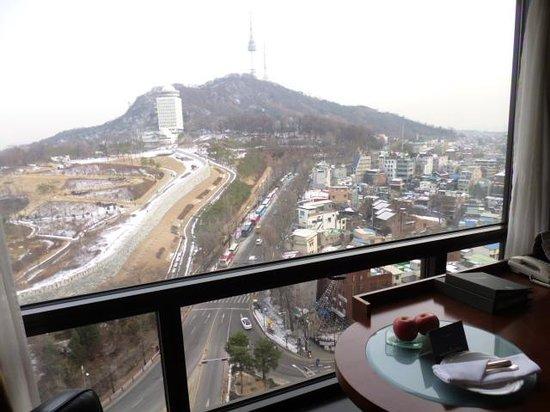 Millennium Seoul Hilton: お部屋からソウルタワーが真正面に!