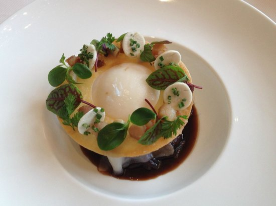 Caprice (Central): Poached Egg with Pok & Foie Gras