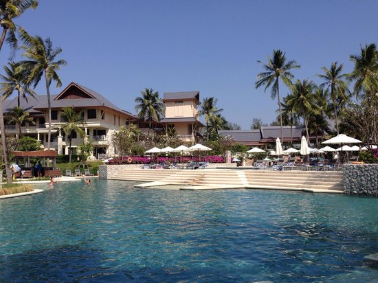 Outrigger Laguna Phuket Beach Resort: Fantastic Pool area