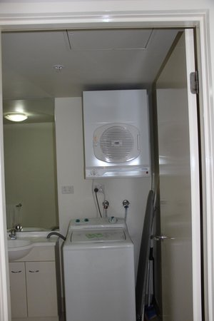 Melbourne Short Stay Apartments Southbank Collection: good laundry facilities