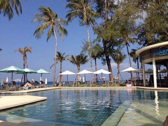Outrigger Laguna Phuket Beach Resort : Pool Area
