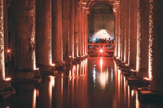 Cisterna Basilica (Versunkener Palast): Цистерна