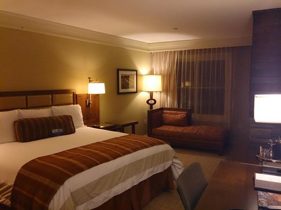 Hotel Abrego: King room