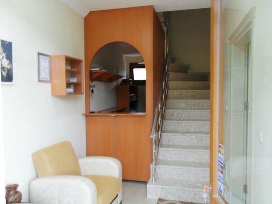 Sirman Suite Hotel: ENTERANCE