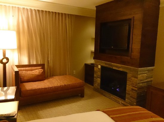 Hotel Abrego : King room with fireplace