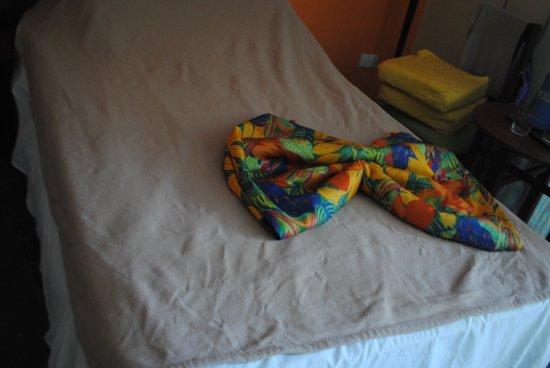 Club Tropical: Каждый день были узоры на кроватях :)