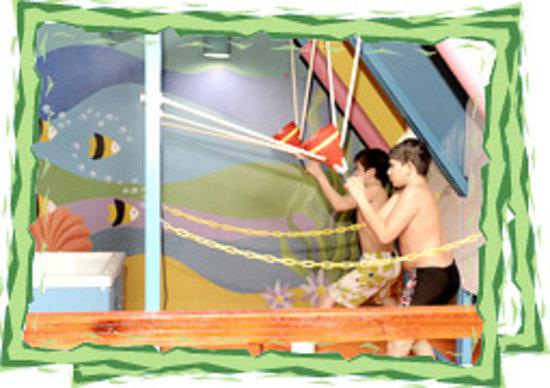 Murjan Splash Park : Water Balloon Wars