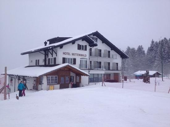 Hotel Mittenwald: view of hotelfrom the adjacent ski lift