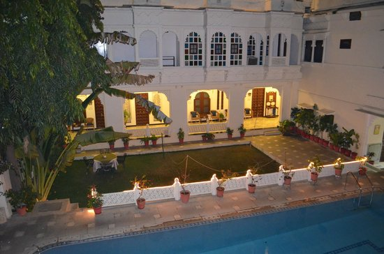 Hotel Mahendra Prakash : Pool facing rooms